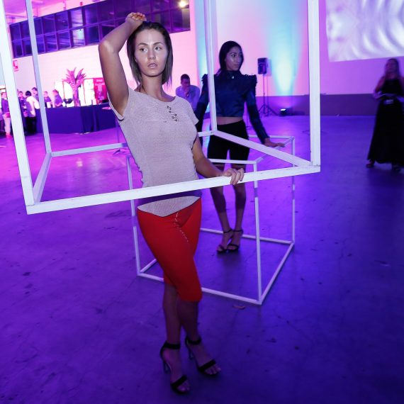 undress-runways-fashion-tech-bywirenet-4